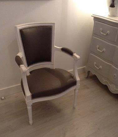 Adrom, formation tapisserie, galerie tous les fauteuils de juin 2018, fauteuil Louis XVI